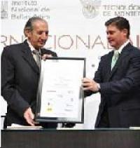 El pasado 23 de febrero se llevó a cabo la entrega del premio Alfonso Reyes al poeta y miembro numerario de la Academia Mexicana de la Lengua, don Eduardo Lizalde. Discursos pronunciados por don Jaime Labastida y don Eduardo Lizalde