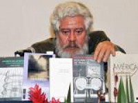 Adolfo Castañón, escritor y miembro de número de la Academia Mexicana de la Lengua, recibirá el Premio Compromiso con las Letras 2012