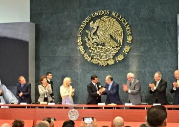 El poeta y académico Eduardo Lizalde recibe el Premio Internacional Carlos Fuentes. Texto íntegro de recepción del premio leído durante la ceremonia