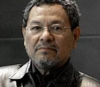 Recibe el escritor Elmer Mendoza medalla al mérito literario