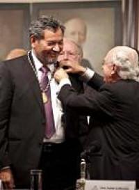 Discurso de ingreso de Élmer Mendoza a la Academia Mexicana de la Lengua. Respuesta de Felipe Garrido