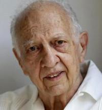 Hospitalizan al escritor mexicano Sergio Pitol