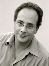 Ignacio Padilla fue entrevistado a propósito de la publicación de su libro La industria del fin del mundo