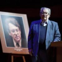 León-Portilla inauguró el sexto Festival de Poesía Las Lenguas de América Carlos Montemayor y se sumó a la indignación por la desaparición de 43 normalistas en Iguala