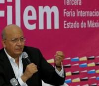 Literatura debe conmover, remover y obligar a pensar: Vicente Quirarte