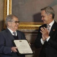 Reconocen a Miguel León-Portilla como ciudadano distinguido de la Ciudad de México
