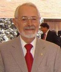 Ruy Pérez Tamayo dictó la conferencia