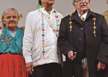 León-Portilla y Gregorio Regino hacen un llamado a hacer valer el nombramiento de la UNESCO del 2019 como Año de las Lenguas Indígenas