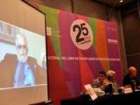 Don Fernando del Paso presentó su libro Bajo la sombra de la historia durante la FIL Guadalajara 2011