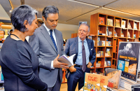 Inaugura FCE librería Ignacio Padilla en el Papalote Museo del Niño