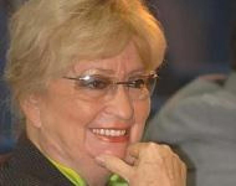 Elección de Juliana González como académica honoraria